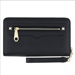 NEW REBECCA MINKOFF REGAN CHARGING WRISTLET WALLET